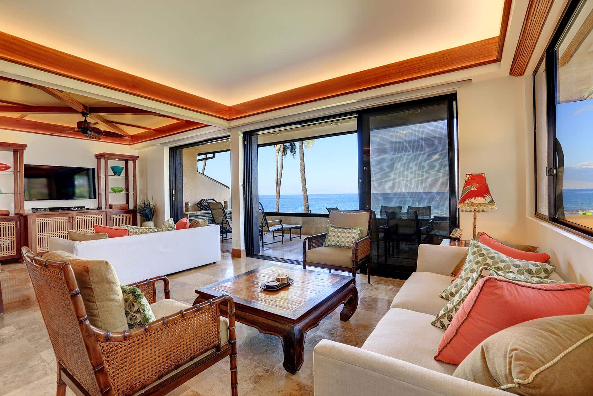 Makena Surf E206 Living room ocean view